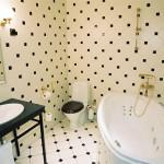 estonia-tallinn-hotel-barons-room-bathroom-01